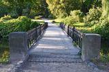 Old+vintage+park+bridge+in+Alexandria%2C+Ukraine